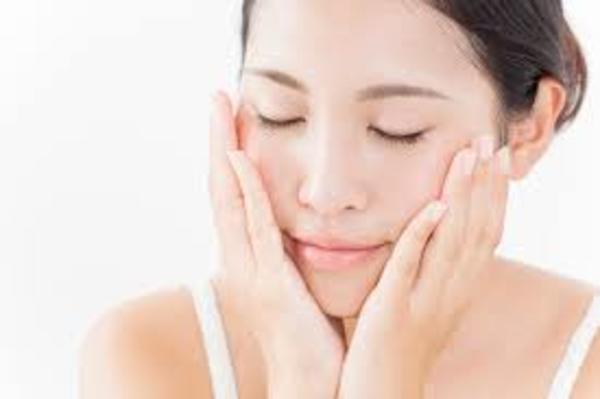 敏感肌でもお顔剃り☆南区高宮 ヘア&メイクヤマグチ 女性専用理美容室 シェービング エステ